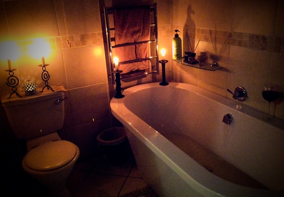 candle light bathroom